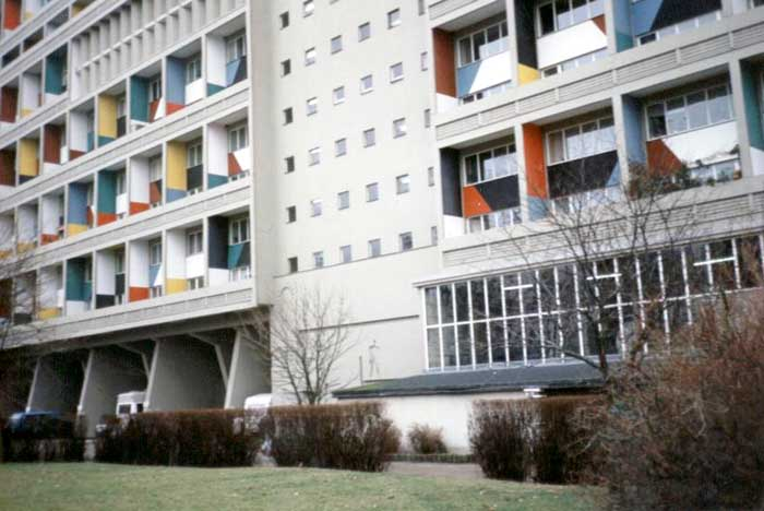 Berlin_building_95_corbusier_il12